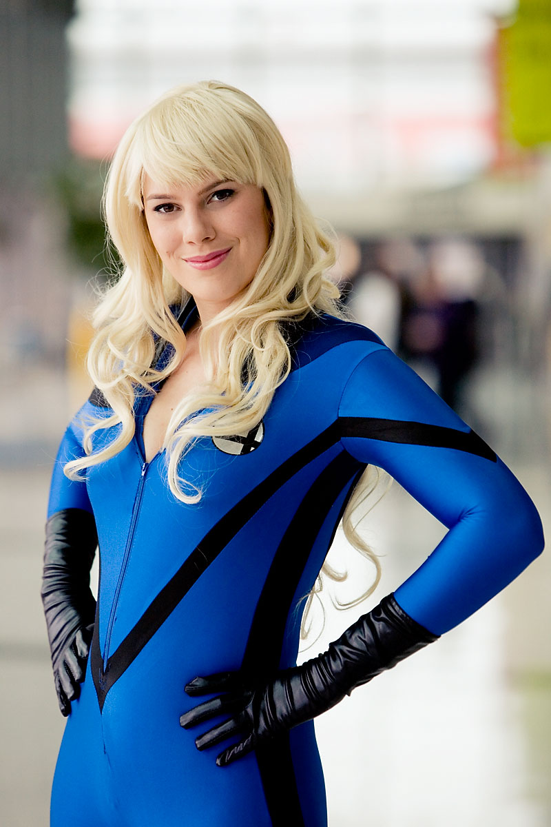 Invisible Woman Cosplay Wizard World 2010, Tor...